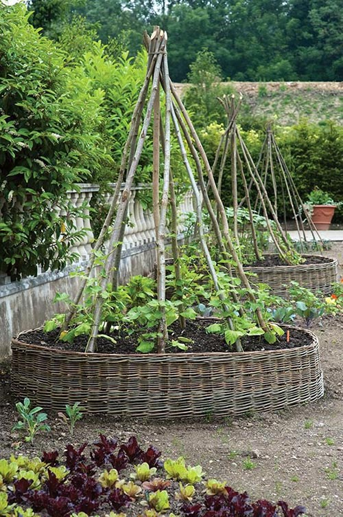 woven raised bed garden