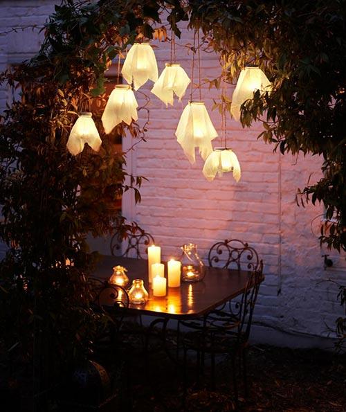 Outdoor Lighting DIYs To Brighten Up Your Summer Home