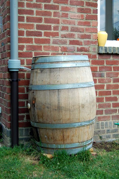 How to build a rain water barrel