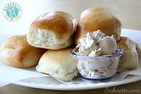 Texas-Roadhouse-Rolls-Recipe-with-Honey-Cinnamon-Butter