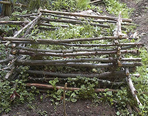 Simple Natural Compost Pile