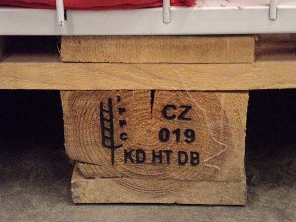Pallet Info How To Tell If A Pallet Is Safe To Reuse